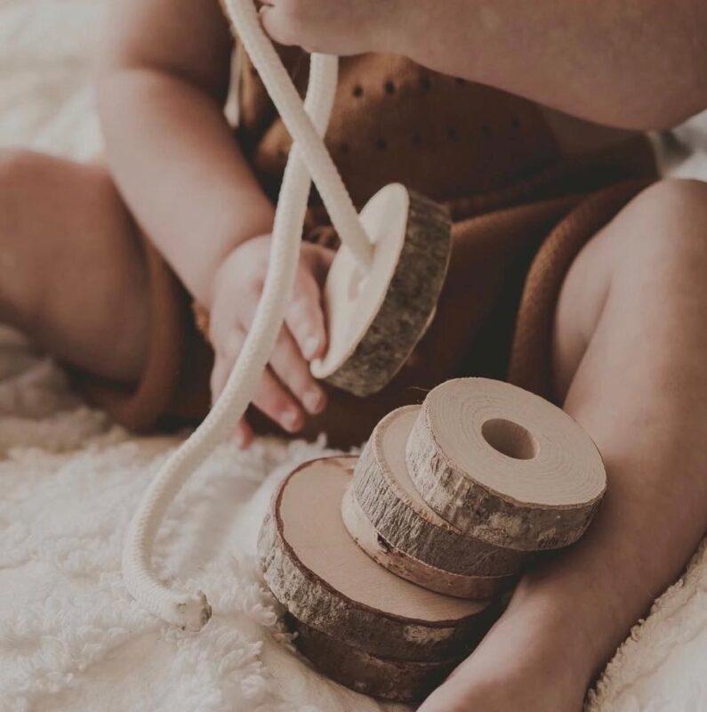 Đồ chơi gỗ cho bé 1 tuổi