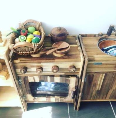 Đồ chơi nhà bếp bằng gỗ