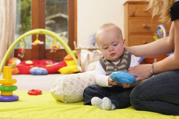 Đồ chơi dành cho trẻ sơ sinh 2 tháng tuổi